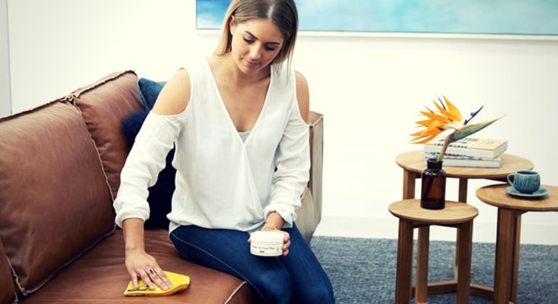 0721d89b Sofa og stoler i skinn kan være kostbare, og kanskje kvier du deg fordi du  er usikker på hvordan du skal holde skinnmøblene rene?